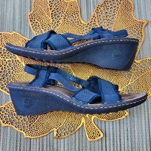 UGG   Mayley Slingback Wedge Sandals